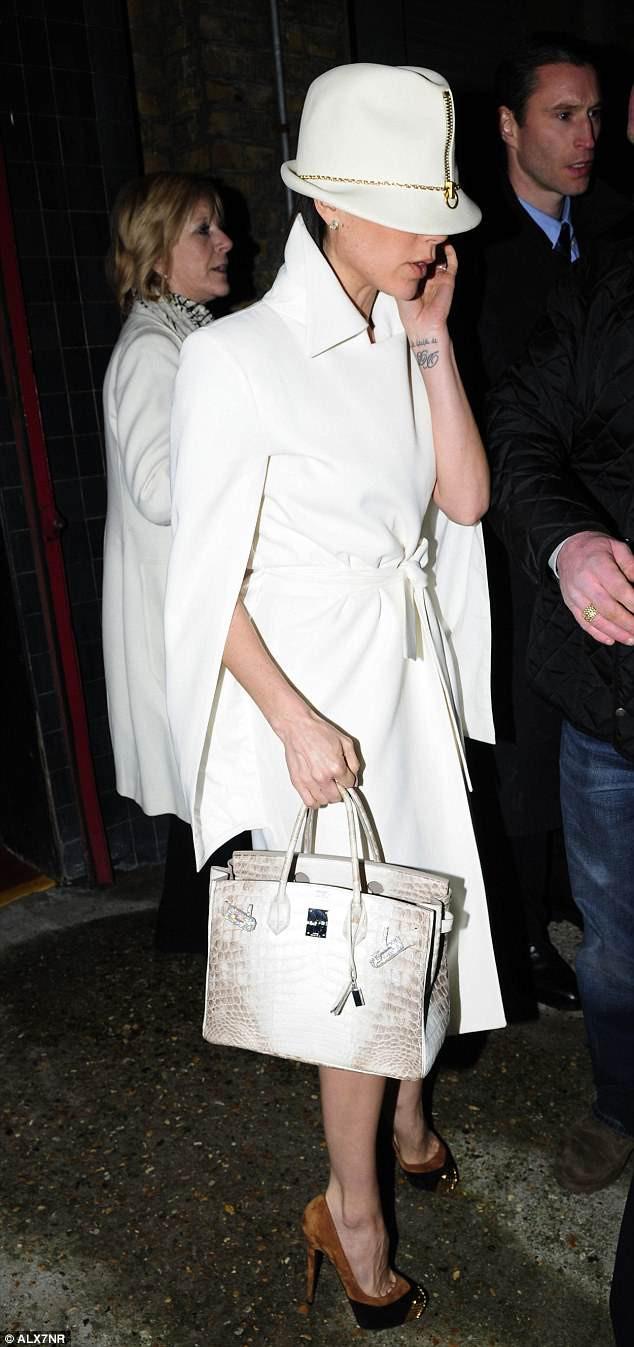 Nhà thiết kế thời trang Victoria Beckham