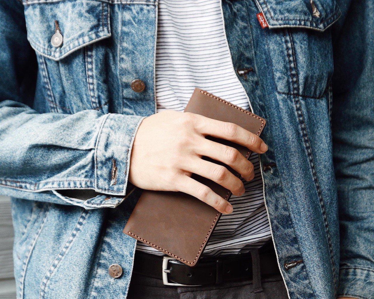 ví da cầm tay handmade